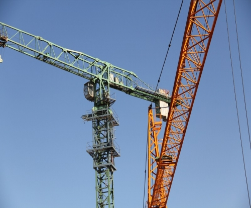 The difference between fixed tower crane and boom tower crane